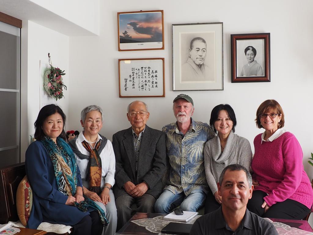 現代霊気療法学会の土居裕先生、フミさん、ユキさん、ウィリアム・リー・ランド氏、コーリーンさん、ロビンさんと、土居先生宅にて